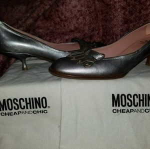 *Sale Auth. Moschino Metallic Kitten Heels